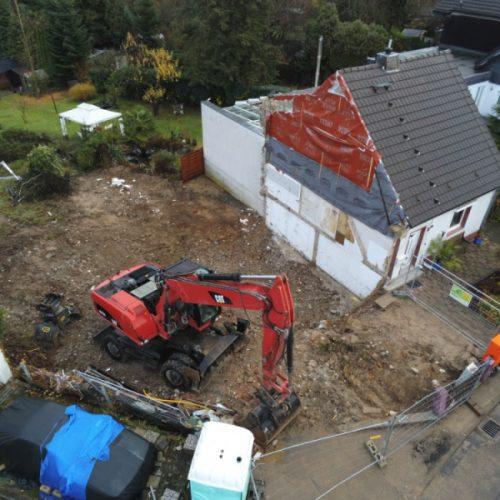 Neubau in Bensberg:  Abriss und Bodenplatte