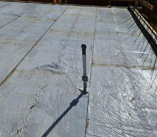 Bodenplatte des Massivhauses betoniert