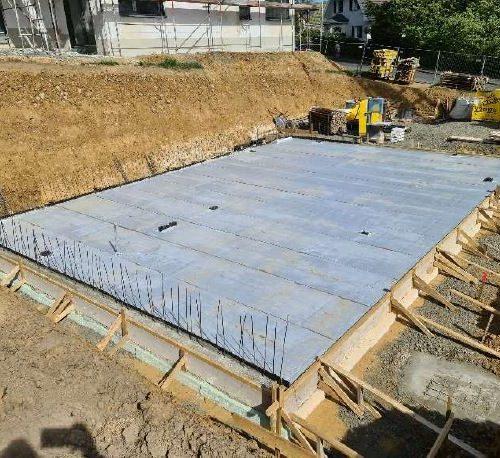 Bodenplatte für das Massivhaus in Königswinter betoniert