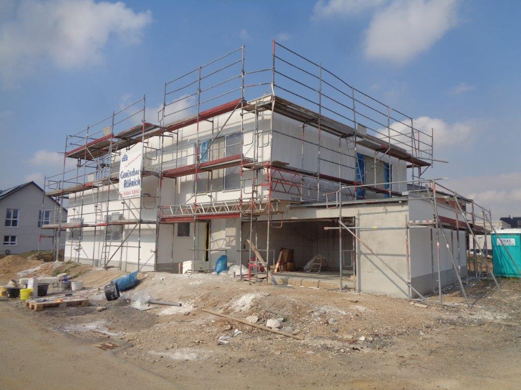 Architektenhaus in Pulheim: Oberputz und Fliesenarbeiten