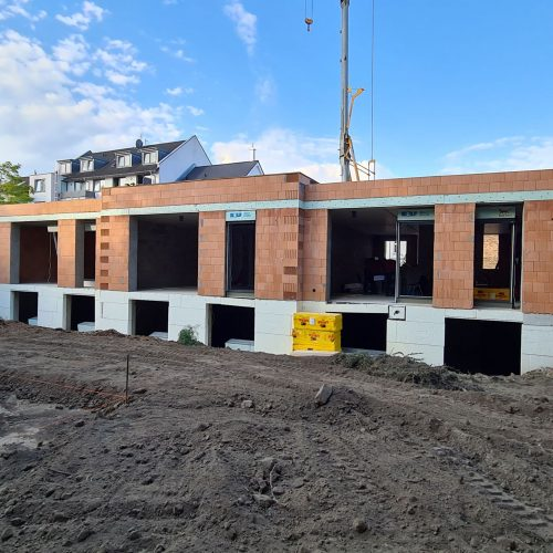 Mehrfamilienhaus bauen – Fenstereinbau